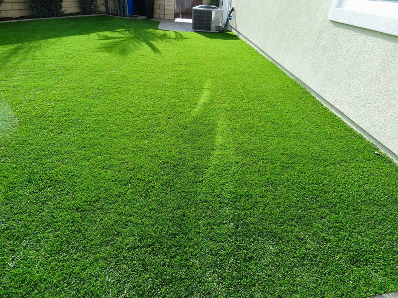 UV Resistant Synthetic Turf from www.greengrassgrid.com