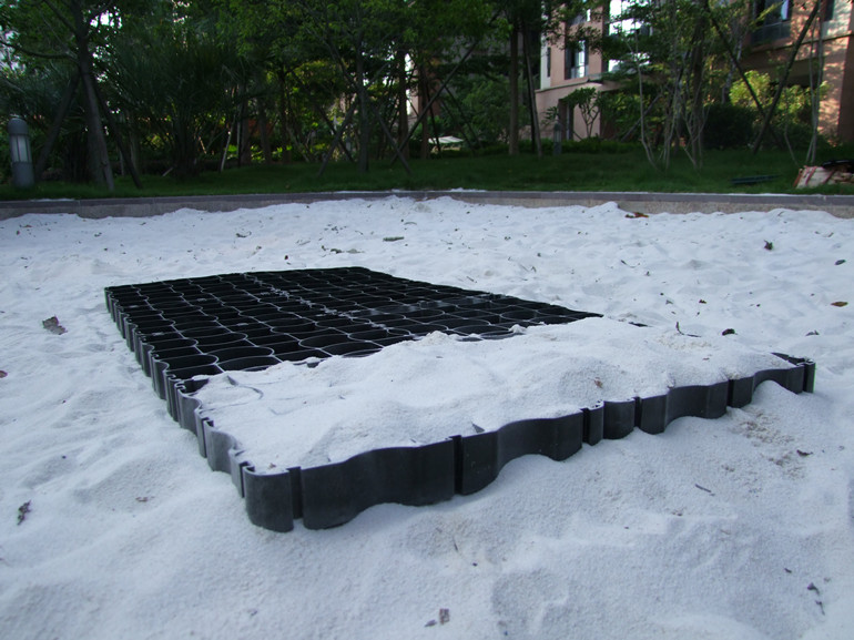 Mud Flooring Plastic Surface Reinforcement System for Equestrian