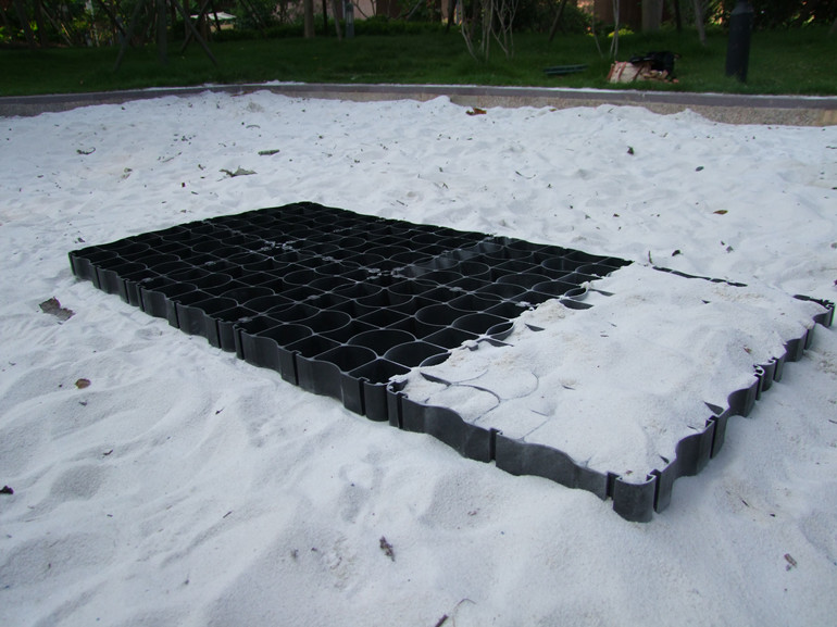 Long Lasting Black Color Plastic Grid Floor System